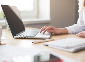 Outsourcing księgowy - jakie korzyści płyną z tego rozwiązania?