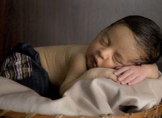 dostawka do łóżka dla niemowlaka